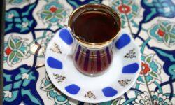 Turkish-tea-drinking-culture